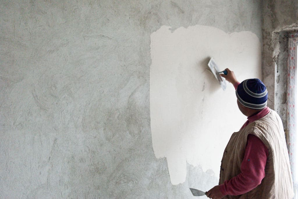 painting plaster wallsA Guide on How to Plaster an Internal Wall  Plain Help